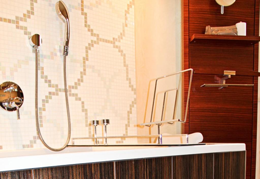 Badezimmer mosaikfliesen bei wunderbad for Badezimmer mosaikfliesen
